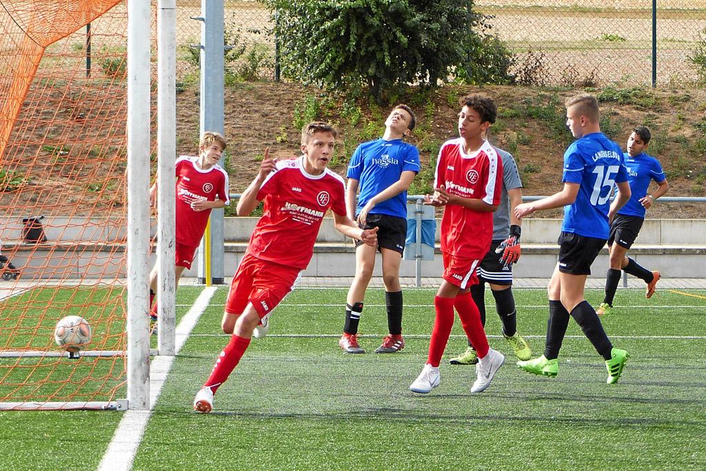 Die C1 Des 1.FC Langen (im Bild Torschütze Joel Leanza) Siegte Mit 4:1 In Langenselbold