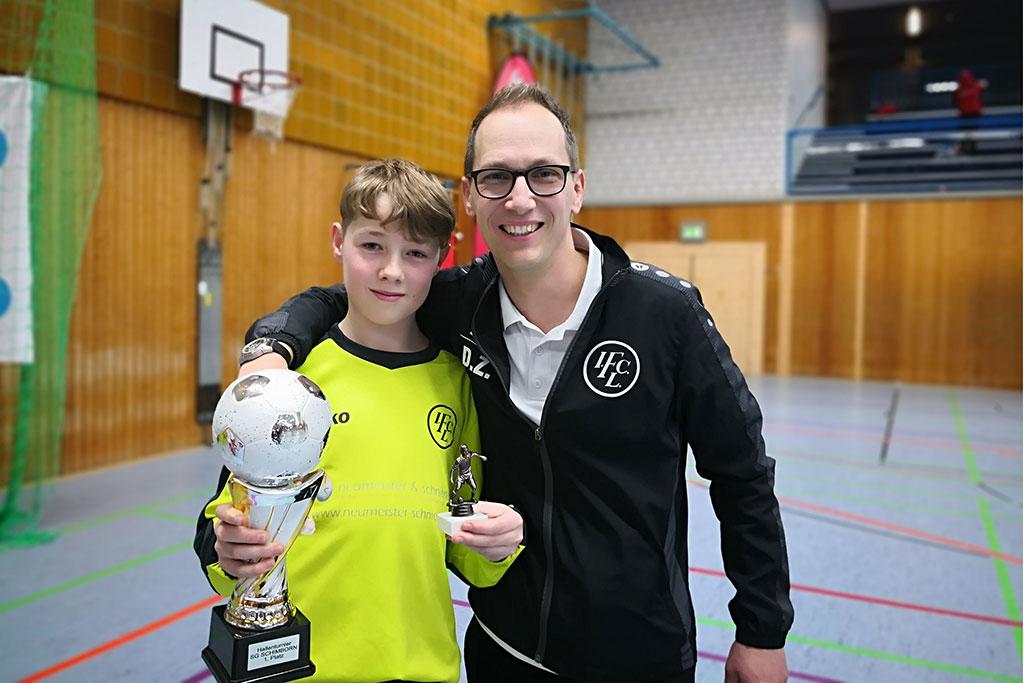 D1-Turnier Der SG Schimborn - Bester Torhüter Paul Herth Vom 1. FC Langen